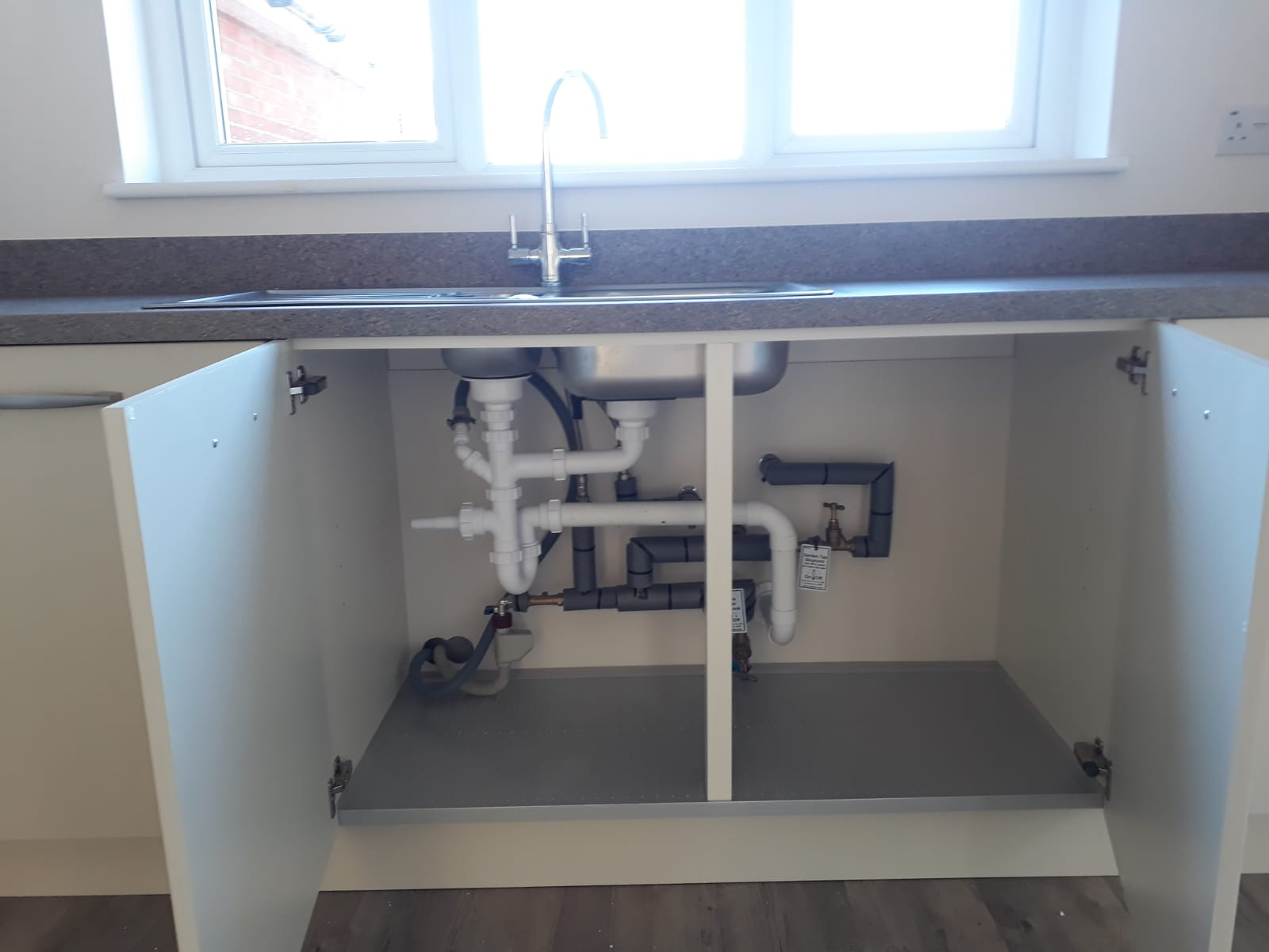 Pipe-Tech-Plumbers-Plumbers-In-Buckinghamshire-sink